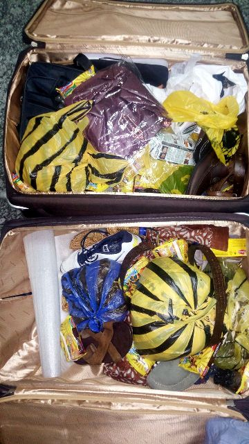 abiodun-s-bag-showing-foodstuff-and-personal-effects